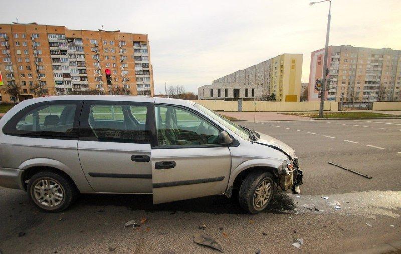20131204_гродно_авария_дтп_ситроён_пассажир и водитель распивали водку за рулём-3