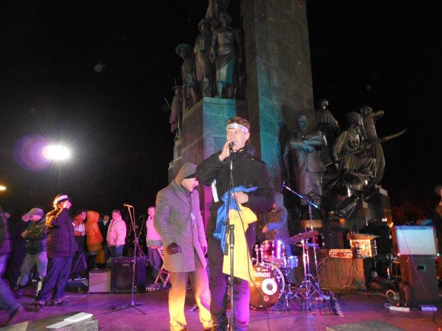 В поддержку «евромайдана» под памятником Шевченко выступили харьковские рокеры (фото, видео), фото-33