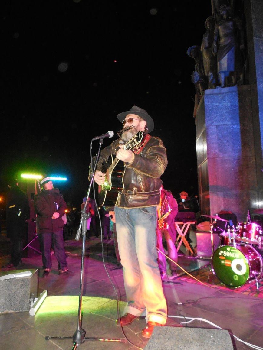 В поддержку «евромайдана» под памятником Шевченко выступили харьковские рокеры (фото, видео), фото-22