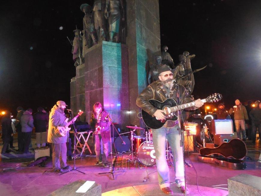 В поддержку «евромайдана» под памятником Шевченко выступили харьковские рокеры (фото, видео), фото-25