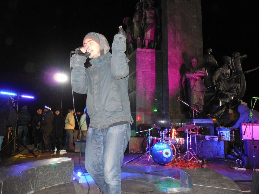 В поддержку «евромайдана» под памятником Шевченко выступили харьковские рокеры (фото, видео), фото-36