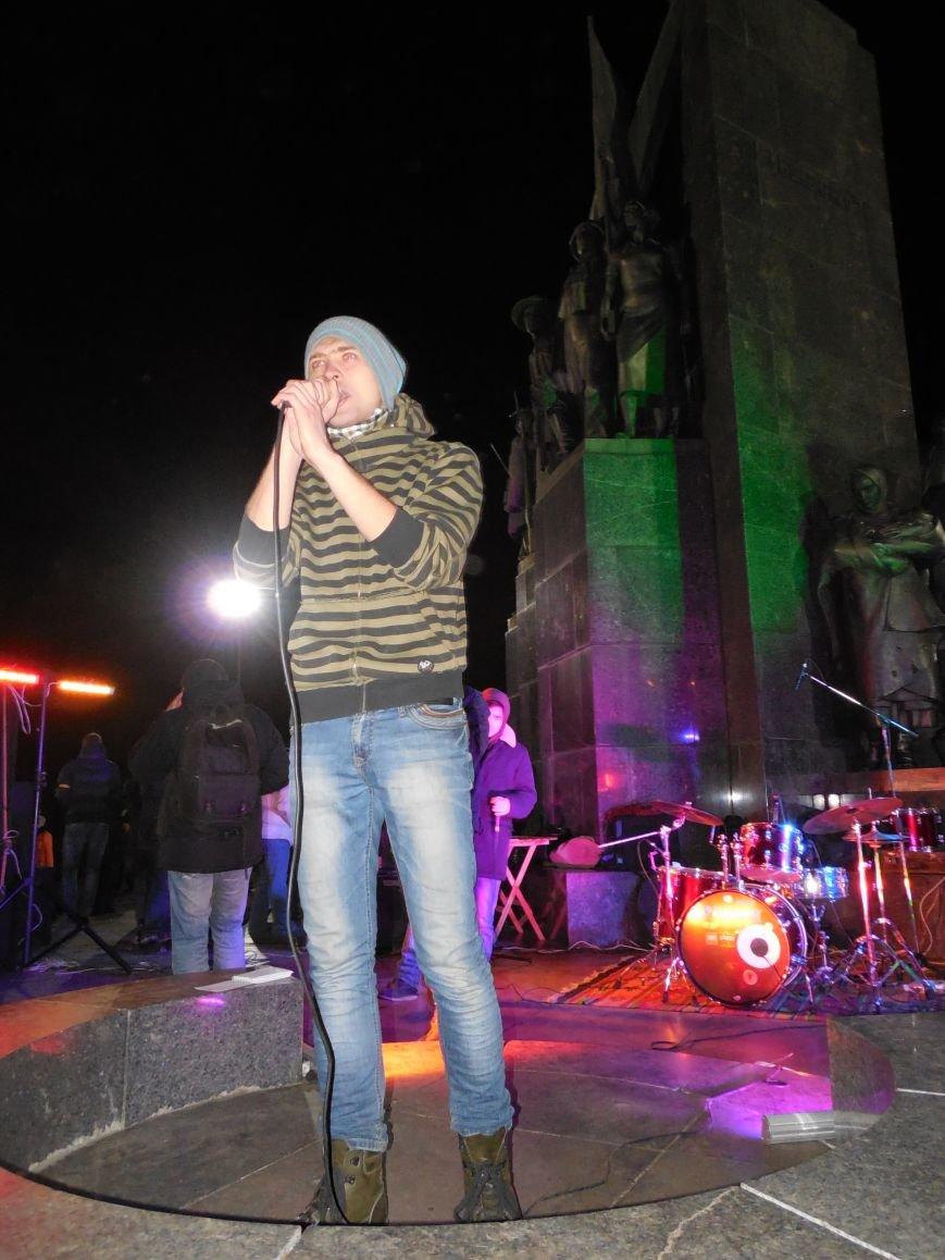 В поддержку «евромайдана» под памятником Шевченко выступили харьковские рокеры (фото, видео), фото-35
