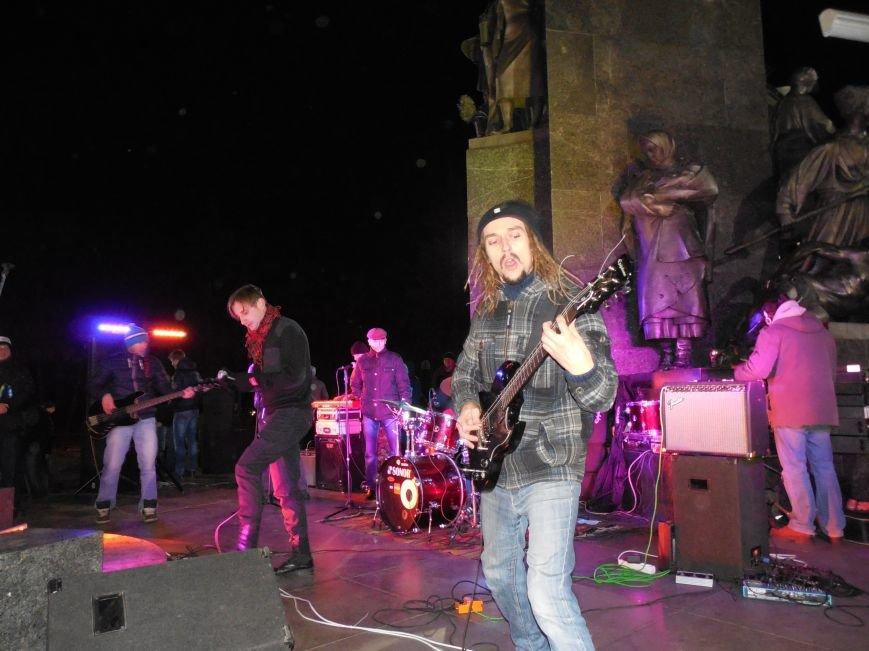 В поддержку «евромайдана» под памятником Шевченко выступили харьковские рокеры (фото, видео), фото-15