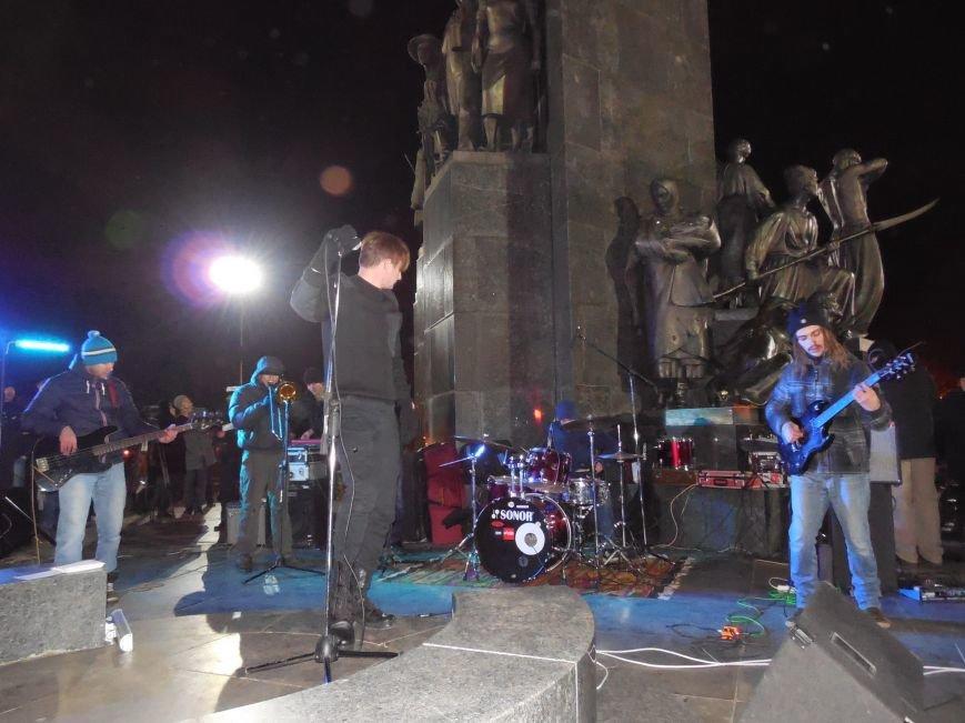 В поддержку «евромайдана» под памятником Шевченко выступили харьковские рокеры (фото, видео), фото-20