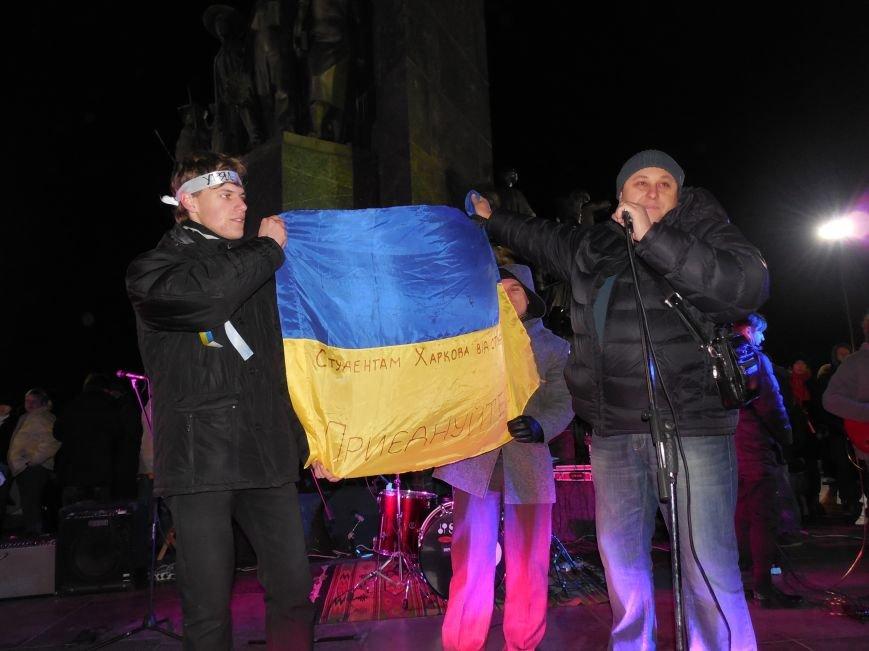 В поддержку «евромайдана» под памятником Шевченко выступили харьковские рокеры (фото, видео), фото-32