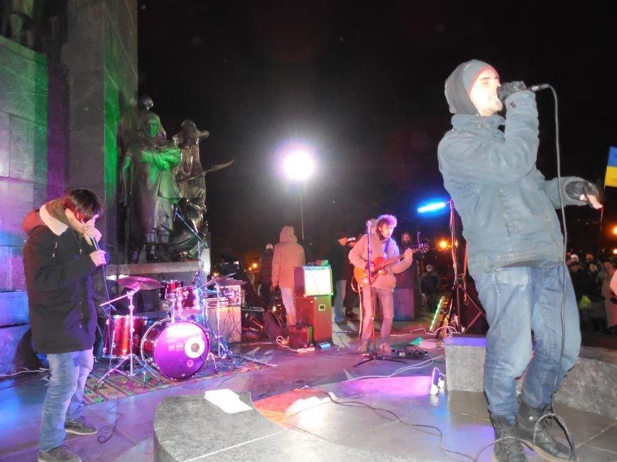 В поддержку «евромайдана» под памятником Шевченко выступили харьковские рокеры (фото, видео), фото-38