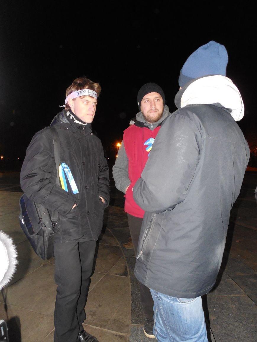 В поддержку «евромайдана» под памятником Шевченко выступили харьковские рокеры (фото, видео), фото-2