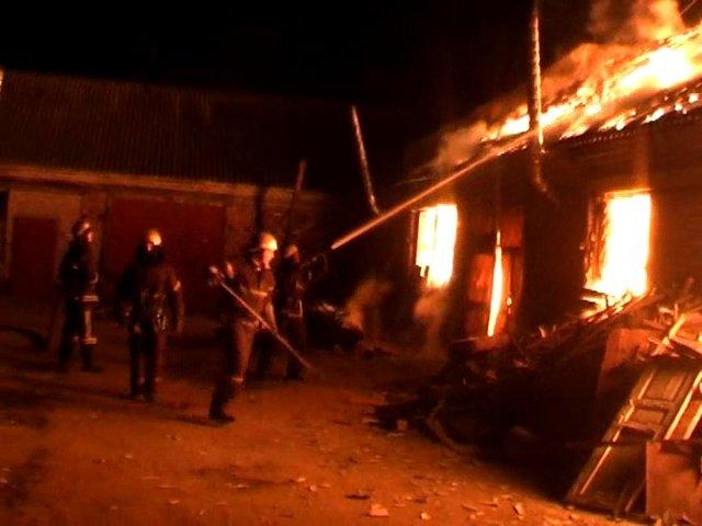 В Луганске горел частный склад (ФОТО), фото-1