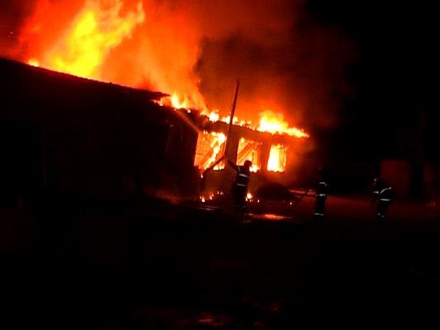 В Луганске горел частный склад (ФОТО), фото-2