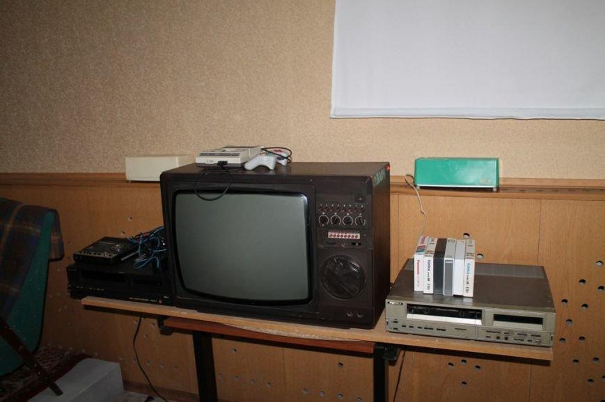 Артемовцев приглашают послушать патефон и посмотреть диафильмы, фото-12