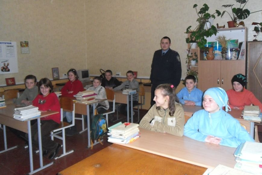 Милиция Черниговщины пытается уберечь подростков от жизненных ошибок, фото-2