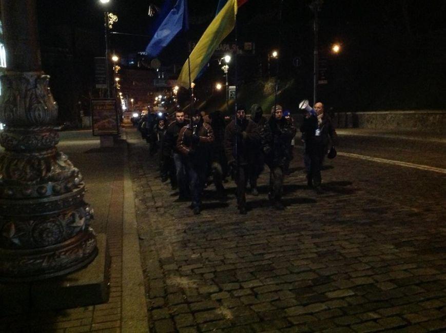 Євромайданівці всю ніч ганяли «тітушок» по вольєру та не давали спати беркутівцям (ФОТО), фото-3