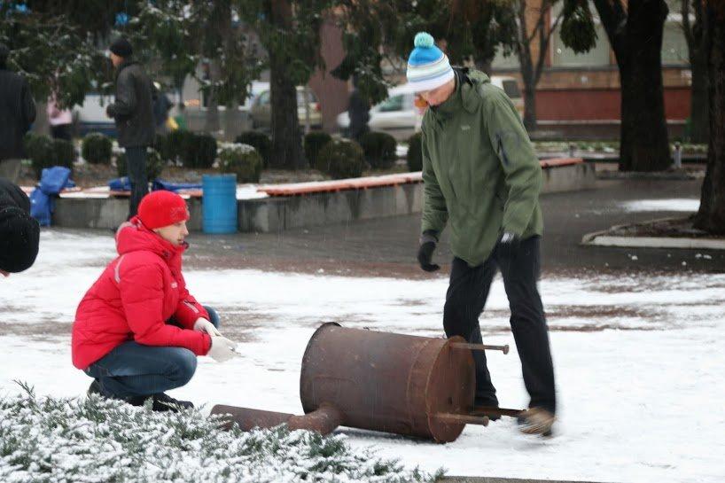 На Черкасский Майдан свозят буржуйки. Организаторы планируют собрать около 400 человек, фото-2