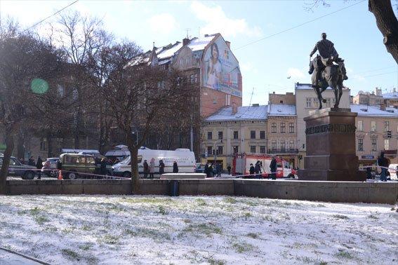 Вибухівку у львівському автобусі не знайшли (ФОТО), фото-1