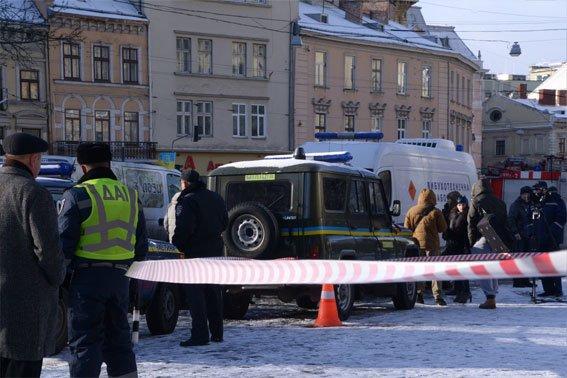 Вибухівку у львівському автобусі не знайшли (ФОТО), фото-5