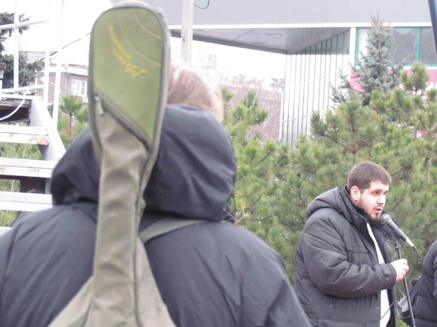На баррикадах!В Мариуполе  на площади Ленина открыли штаб народного сопротивления(ФОТО+ВИДЕО), фото-1