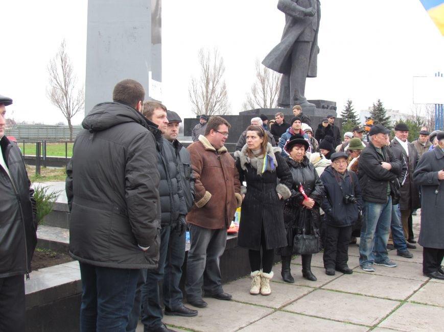 На баррикадах!В Мариуполе  на площади Ленина открыли штаб народного сопротивления(ФОТО+ВИДЕО), фото-4