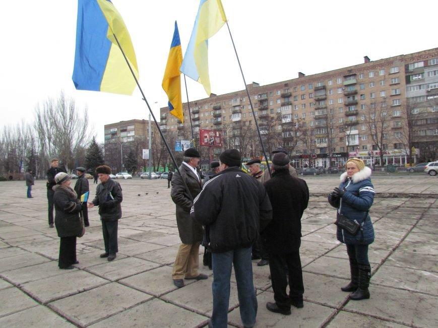 На баррикадах!В Мариуполе  на площади Ленина открыли штаб народного сопротивления(ФОТО+ВИДЕО), фото-9