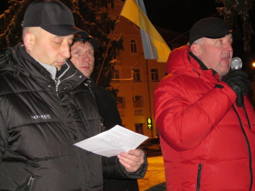 Черниговский «евромайдан» дал деньги на лечение пострадавшему в Киеве журналисту (ФОТО), фото-3