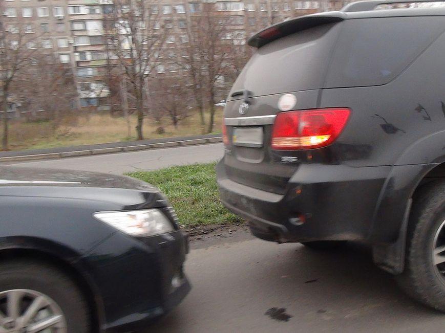 В Мариуполе  на улице Куприна не разъехались две «Тойоты» (ФОТО), фото-5