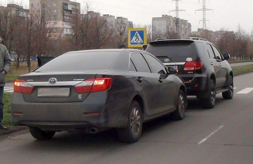 В Мариуполе  на улице Куприна не разъехались две «Тойоты» (ФОТО), фото-4