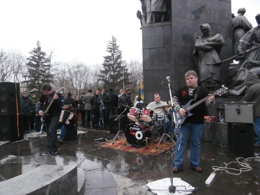 Революция и «Левобережный рок»: в Харьков съехались музыканты со всей восточной Украины поддержать участников «евромайдана» (фото), фото-45