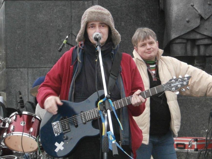 Революция и «Левобережный рок»: в Харьков съехались музыканты со всей восточной Украины поддержать участников «евромайдана» (фото), фото-54