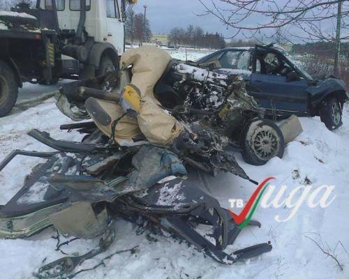 320131209_гродно_область-лида_авария_киа_водитель погиб на месте _встречная полоса-2