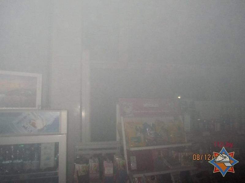 20131209_гродно_южный_магазин_гирлянда_замыкание_загорание-3