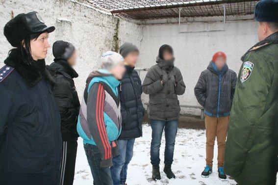 «Тяжелым» черниговским подросткам показали их возможное будущее, фото-1