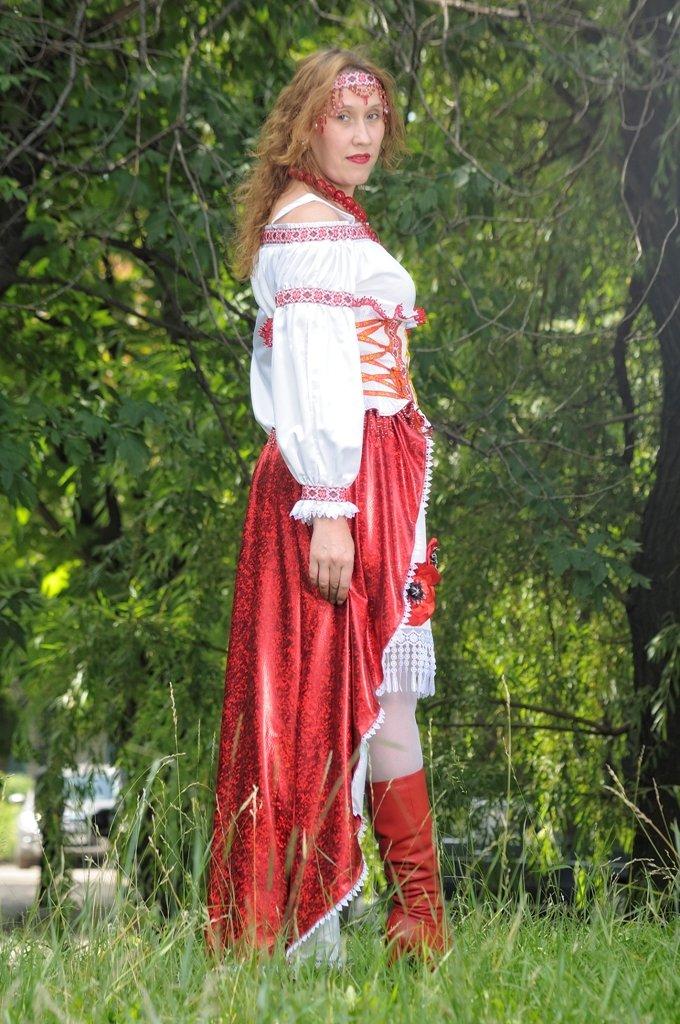 «Главное – чтобы костюмчик сидел» - говорит профессиональный дизайнер г. Красноармейска Виктория Карпова (ВИДЕО), фото-9