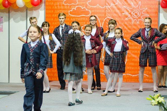 «Главное – чтобы костюмчик сидел» - говорит профессиональный дизайнер г. Красноармейска Виктория Карпова (ВИДЕО), фото-25