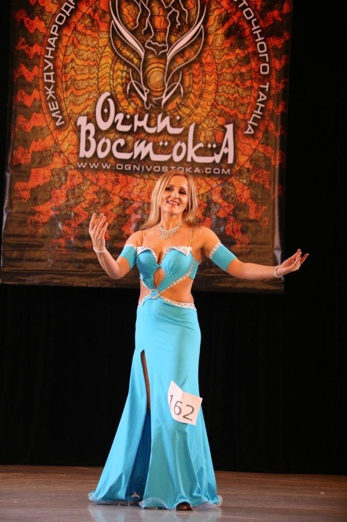 05 Валентина Боровик - золото в номинации классический bellydance сеньоры