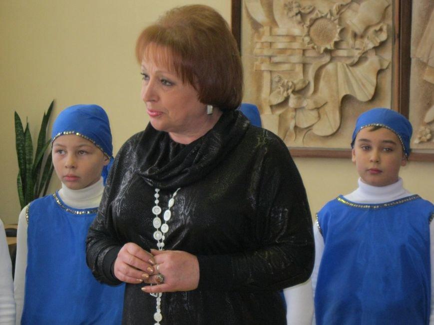 Бесплатно общаться по скайпу и не только можно теперь в Черниговской областной библиотеке для детей, фото-1