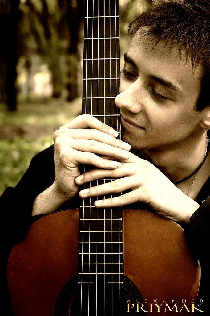 Московский гитарист Александр Гекко дарит мариупольцам акустический гитарный концерт!, фото-1