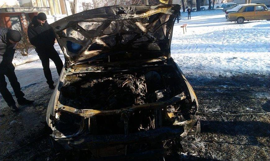 Харьковскому нардепу-националисту Игорю Швайке сожгли машину (фото), фото-6