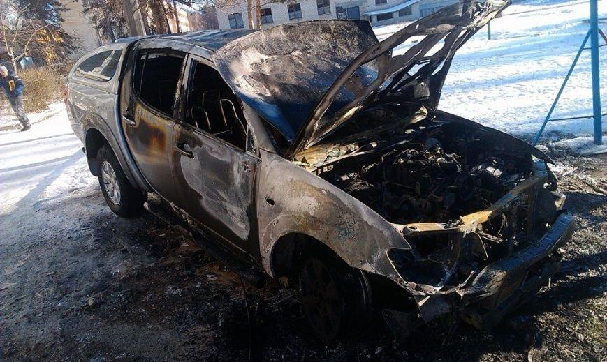 Харьковскому нардепу-националисту Игорю Швайке сожгли машину (фото), фото-5