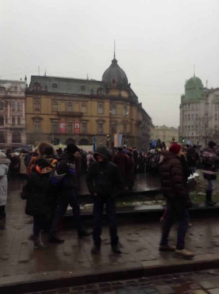 На львівському євромайдані кілька тисяч мітингувальників (ФОТО), фото-1