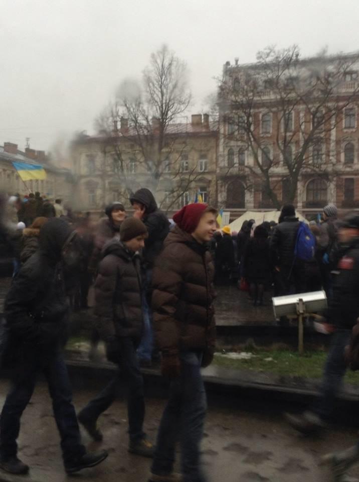 На львівському євромайдані кілька тисяч мітингувальників (ФОТО), фото-2