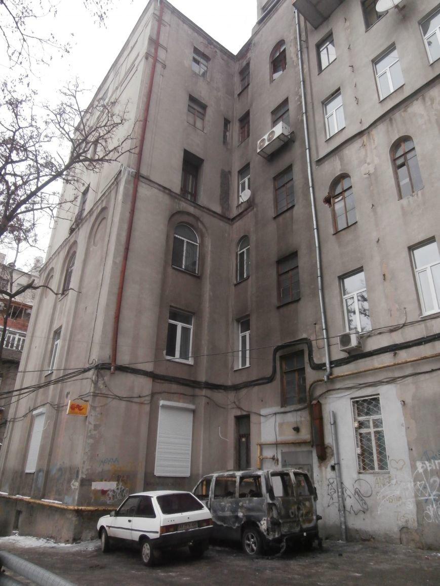 Под окнами жилого дома в центре Харькова неизвестные, угрожая местным жителям, сожгли машину организаторов «евромайдана» (ПОДРОБНОСТИ), фото-8