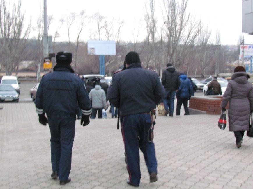 Мариупольцы в забитом спецпоезде отправились отстаивать рабочий Донбасс (ФОТО), фото-9