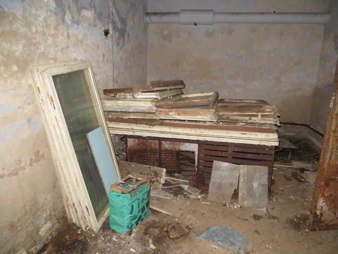 В харьковских домах – уборка. Разгребают хлам в подвалах и на чердаках (ФОТО), фото-3