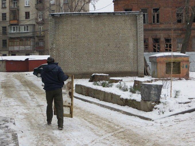 В харьковских домах – уборка. Разгребают хлам в подвалах и на чердаках (ФОТО), фото-5