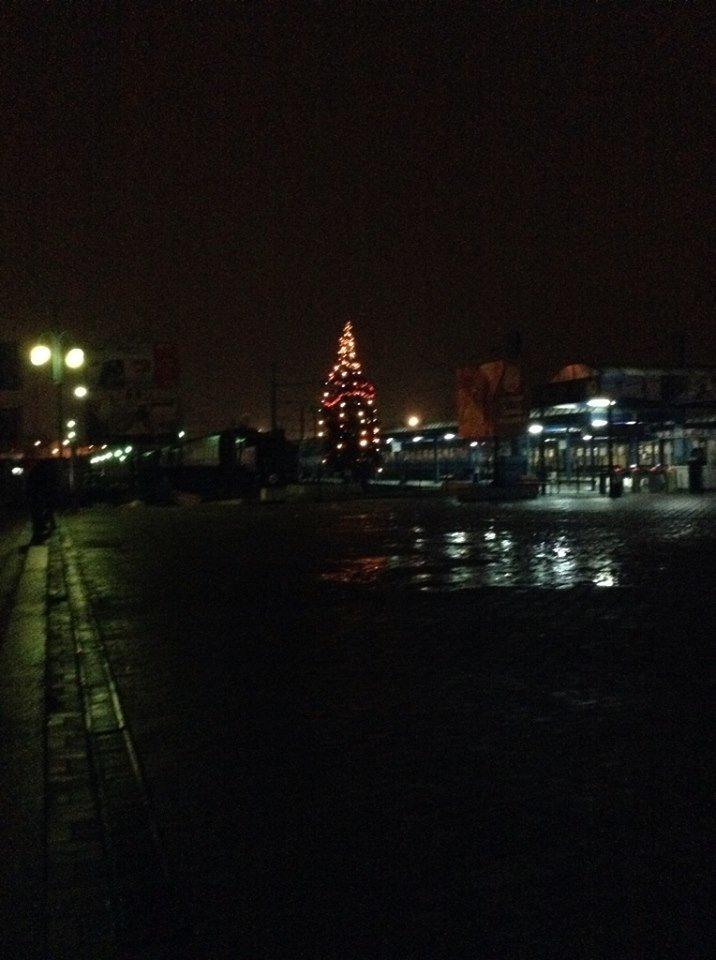 На приміському вокзалі засвітили святкову ялинку (ФОТО), фото-2