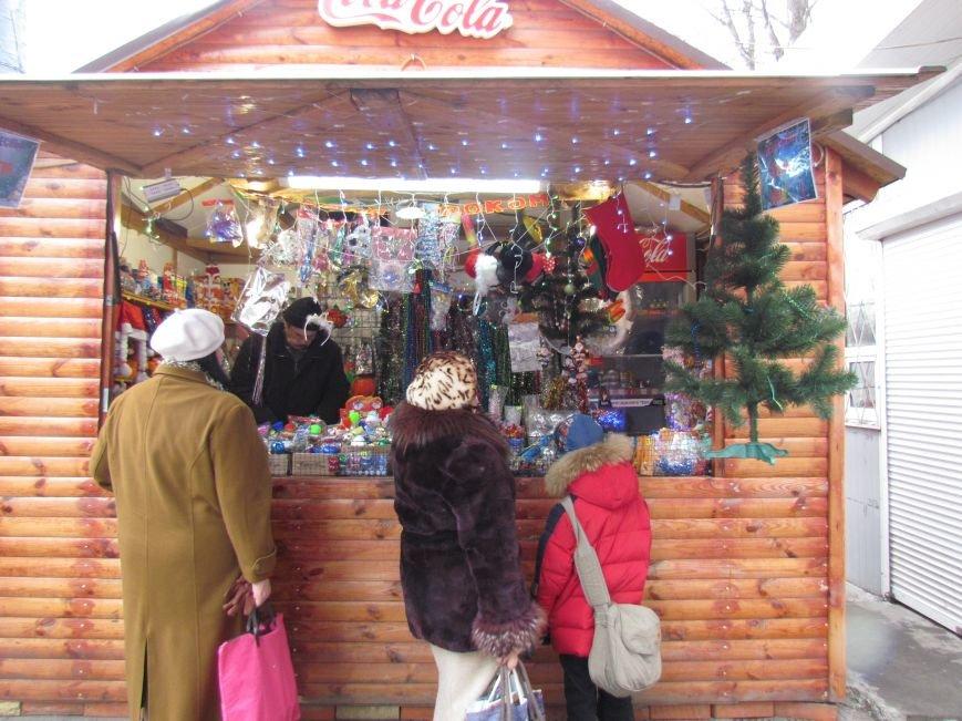 В Мариуполе новогодними елками торгуют по 100 грн. за штуку (ФОТОФАКТ), фото-2