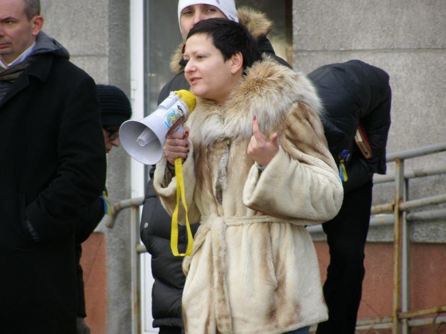 «Евромайдан» в Красноармейске собрал около 40 человек: кто пришел поддержать, а кто «просто посмотреть», фото-15
