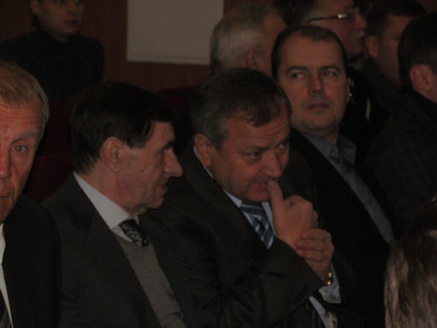 Мэр Мариуполя решил вернуть на стадионы болельщиков (ФОТО), фото-4