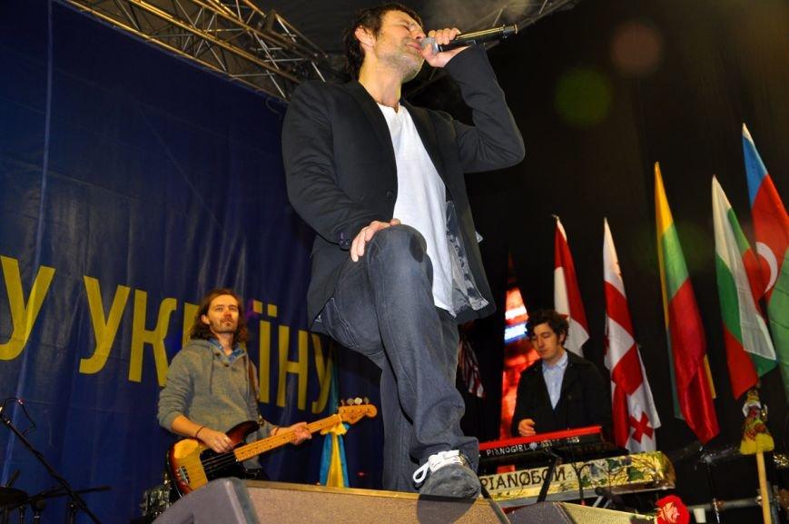 14-15 декабря: Син лично отправил титушек на Майдан, Антимайдан и «золотое» выступление Океана Эльзы (ФОТО), фото-1
