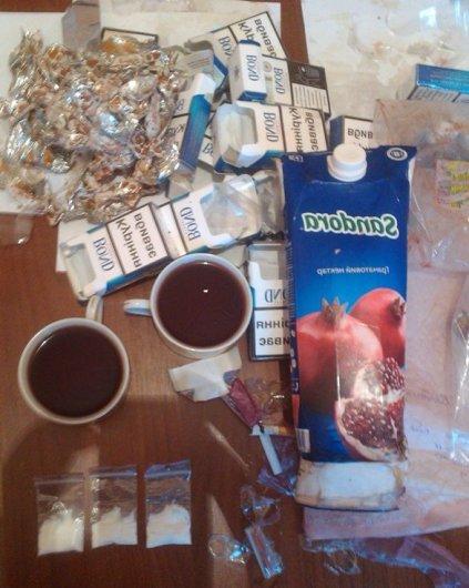 В Черниговской области осужденным в колонию вместе с чаем и соком передают наркотические вещества, фото-1