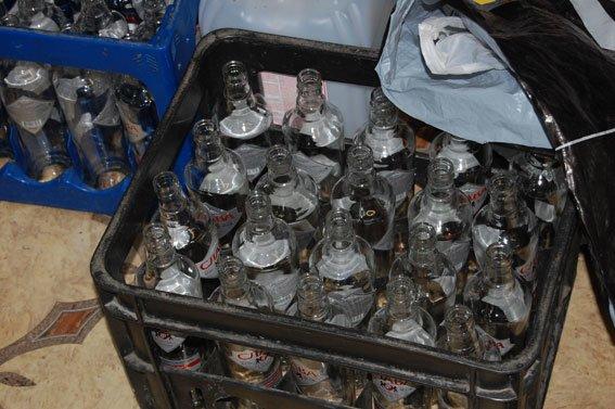 У супермаркетах Львова продавали тисячі пляшок фальсифікованої горілки (ФОТО), фото-2